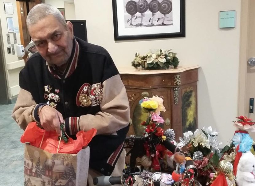 Подарки на Рождество для домов престарелых