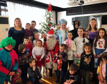 Новогодняя елка прошла  в Генеральном консульстве России в Русе