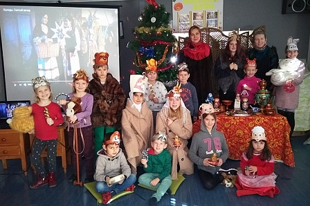 Русские и испанцы колядовали на новогоднем фестивале в Лериде