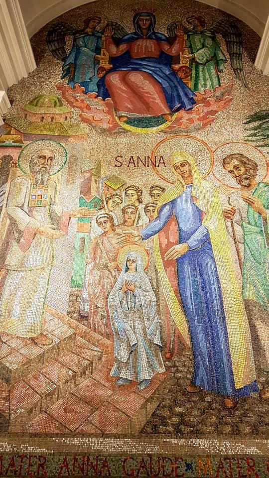 В ирландском храме русским художником воссоздан портрет поэтессы Анны Ахматовой