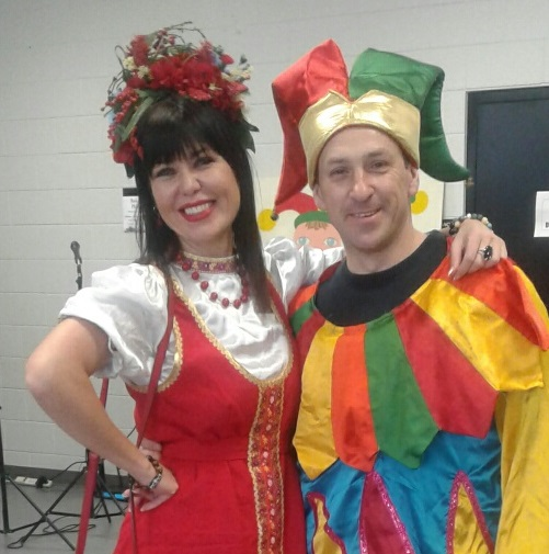 Блины, хороводы и русские напевы. В Торонто отпраздновали Русскую Масленицу