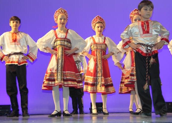 «Мамин день» для детей в Монреале проведет ансамбль танца «Русские узоры»