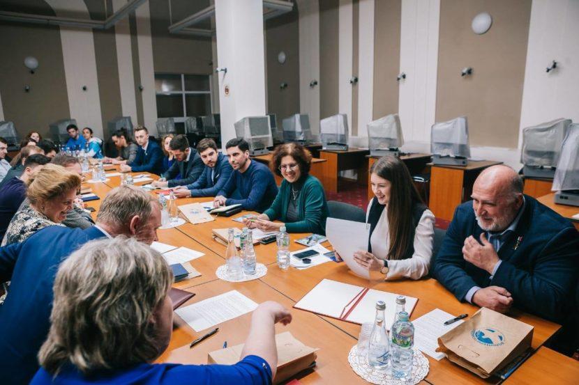 Волонтеры Победы запускают волонтёрские консультации и стажерскую программу в преддверии Дня Победы