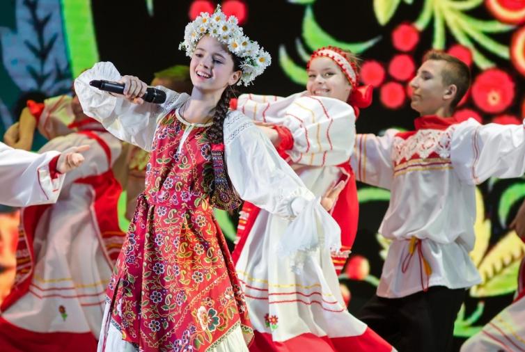 В Страсбурге открылся международный фестиваль соотечественников «Катюша»