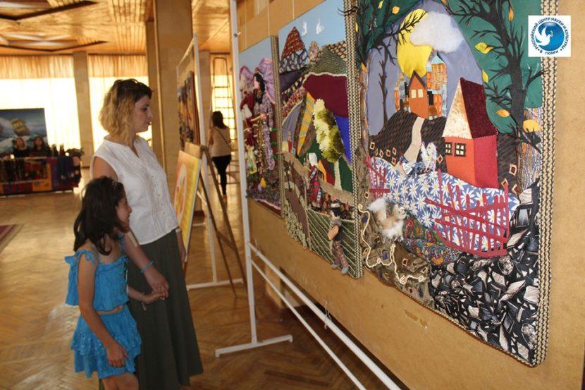 Молодежь Армении показала свои таланты в Гюмри