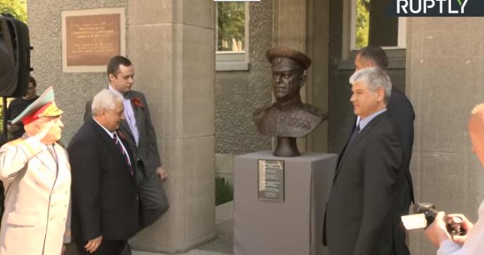 Свои забывают, «чужие» помнят. В Германии открыли памятник маршалу Жукову