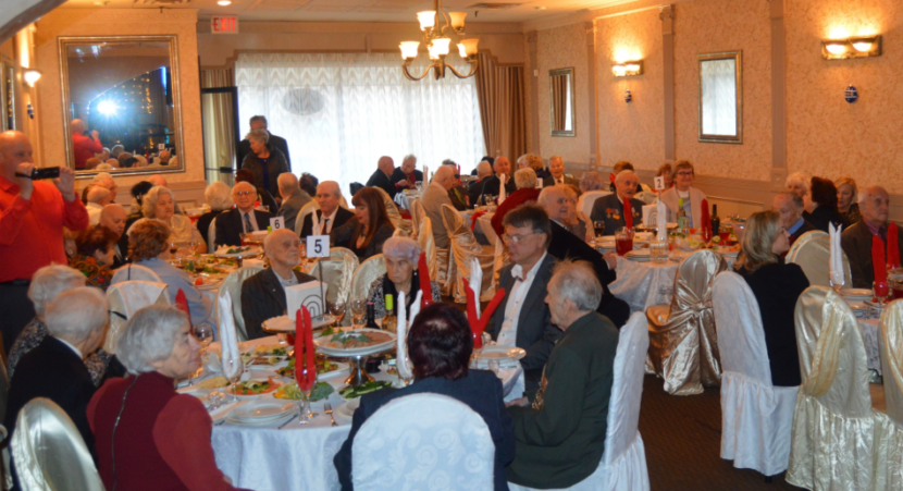 Накануне Нового года дипломаты в Торонто поздравили ветеранов