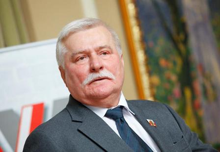 Лех Валенса: Польша должна признать факт освобождения Освенцима красноармейцами