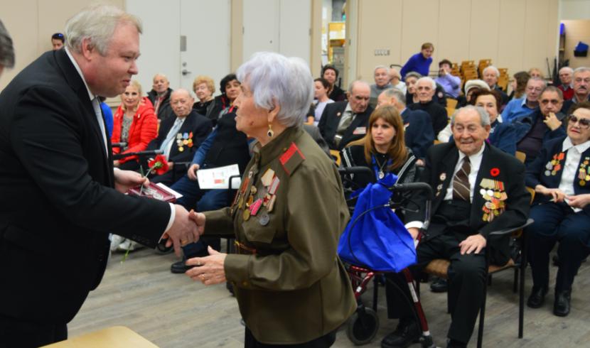 Ветеранам в Торонто вручили юбилейные медали «75 лет Победы в Великой Отечественной войне 1941-1945 гг.»