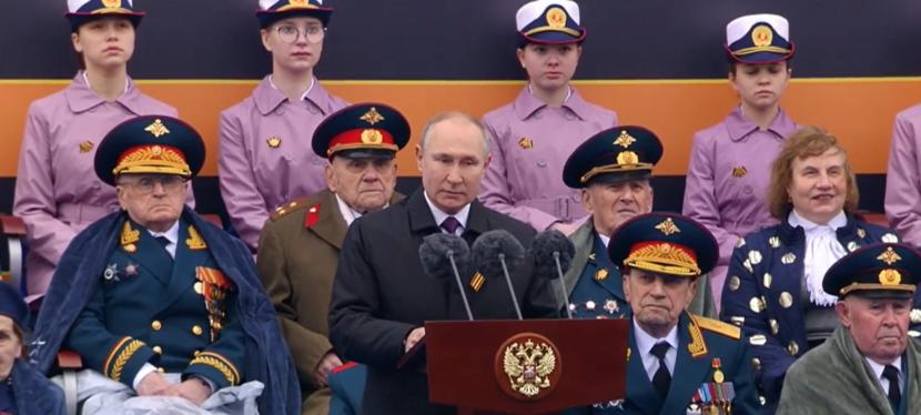 Парад Победы в Москве и поздравление соотечественникам в Канаде